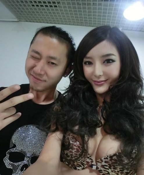 车模李颖芝被爆料疑外围女服务一次三万