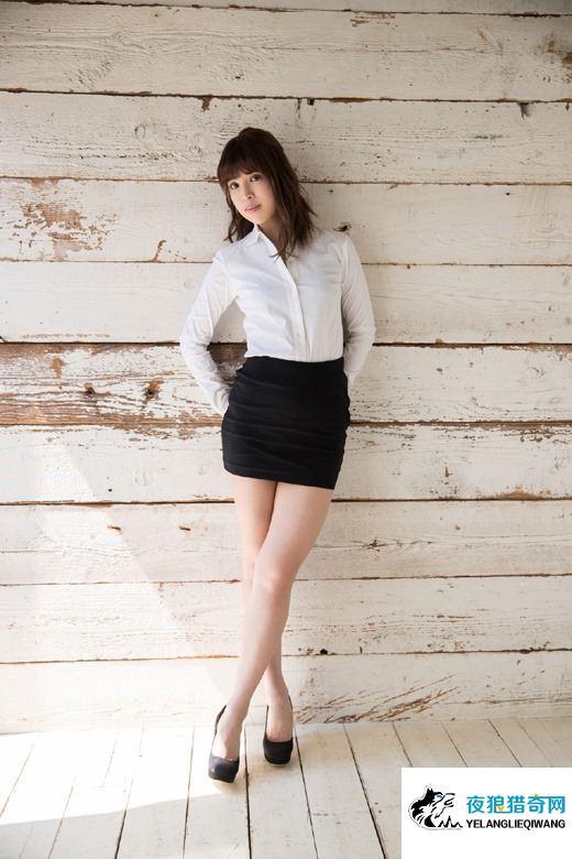 坂口杏里ANRI 元芸能人 OL制服白衬衫高清画像写真