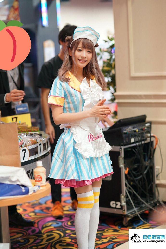 桃乃木香奈(桃乃木かな)活动现场cosplay