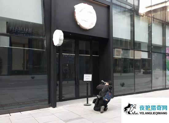 加拿大鹅北京店延期开业后大门紧闭 不少顾客询问