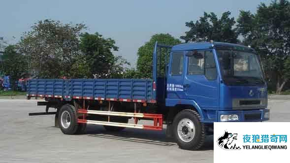 物流送货中途加价不给钱拒绝送货 商量无果事主报警